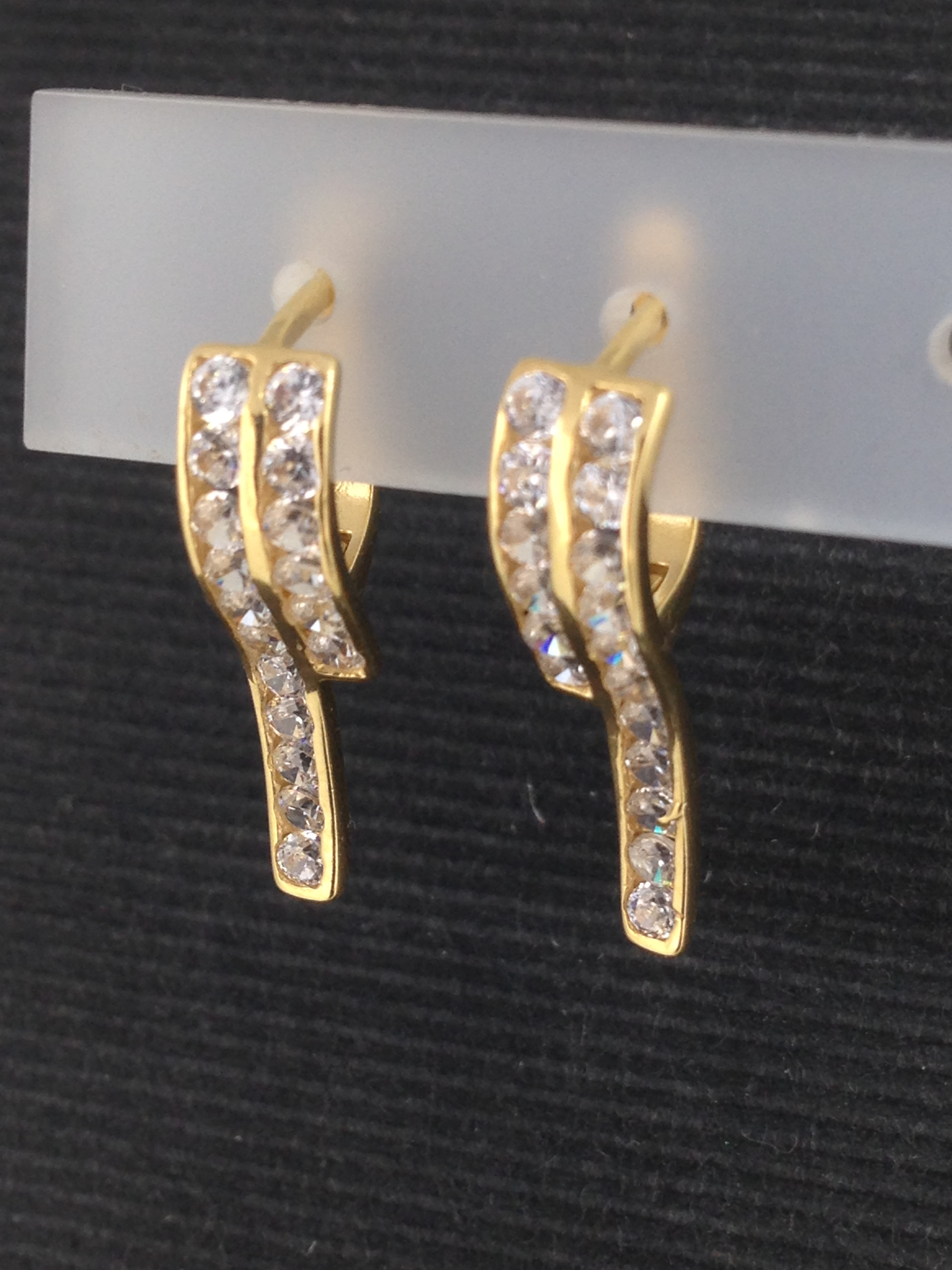 Boucles d'oreilles brissure or 18 carats oxydes