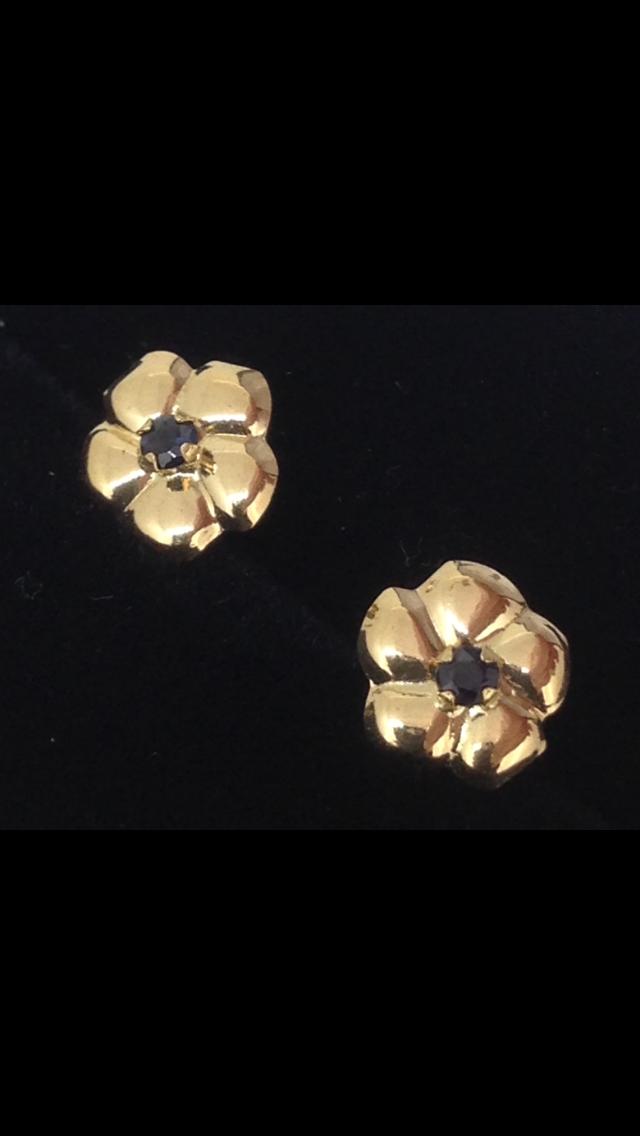 Boucles d'oreilles puce saphir or 18 carats