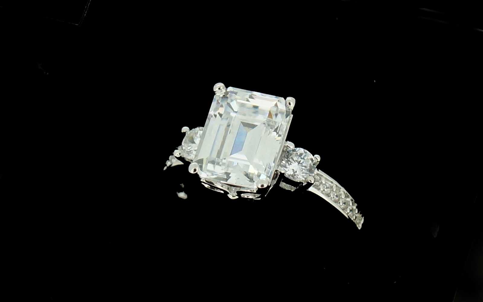 bague or blanc carre gm