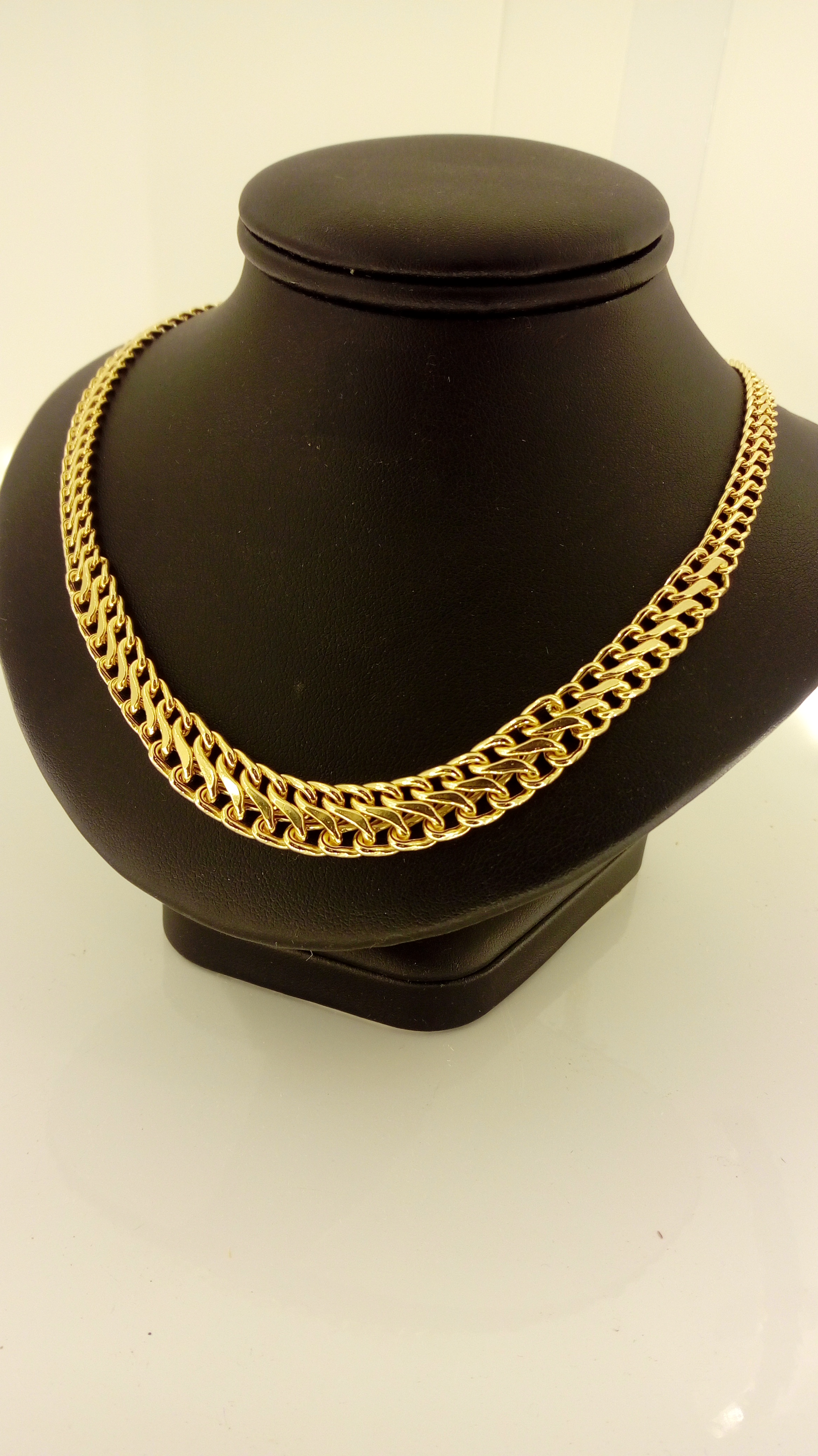 Collier or 18 carats maille russe